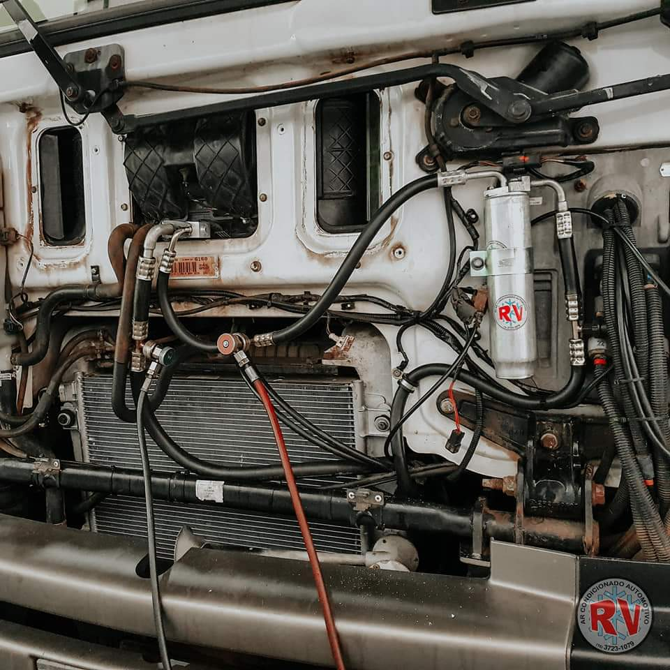 Instalação de Ar Caminhão 02 • RV